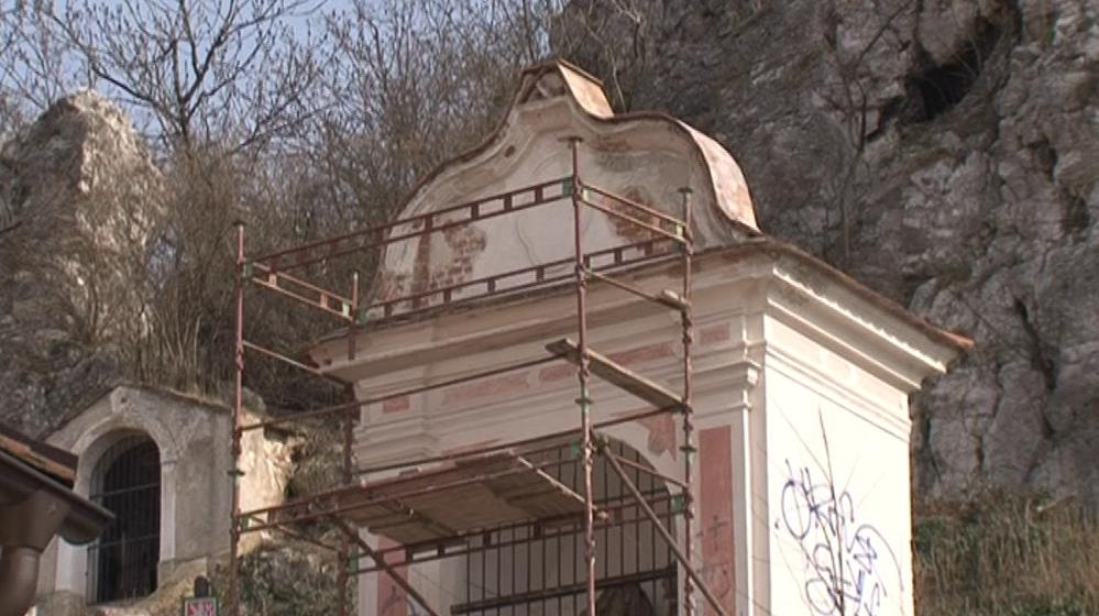 Kaplička na Svatém kopečku v Mikulově, kterou adoptoval Aleš Strobl