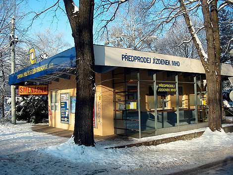 Bluepoint je v budově předprodeje jízdenek na Školní ulici ve Zlíně