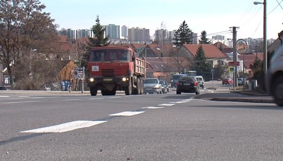 Čtrvť zatěžuje i provoz na ulici Pražská
