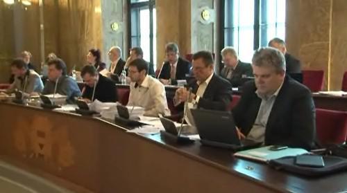Pondělní zastupitelstvo schválilo, že Nesehnutí nedostanou peníze od města
