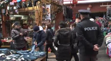 Ve vietnamské tržnici v Hatích odhalili inspektoři padělky za 1,5 milionu korun