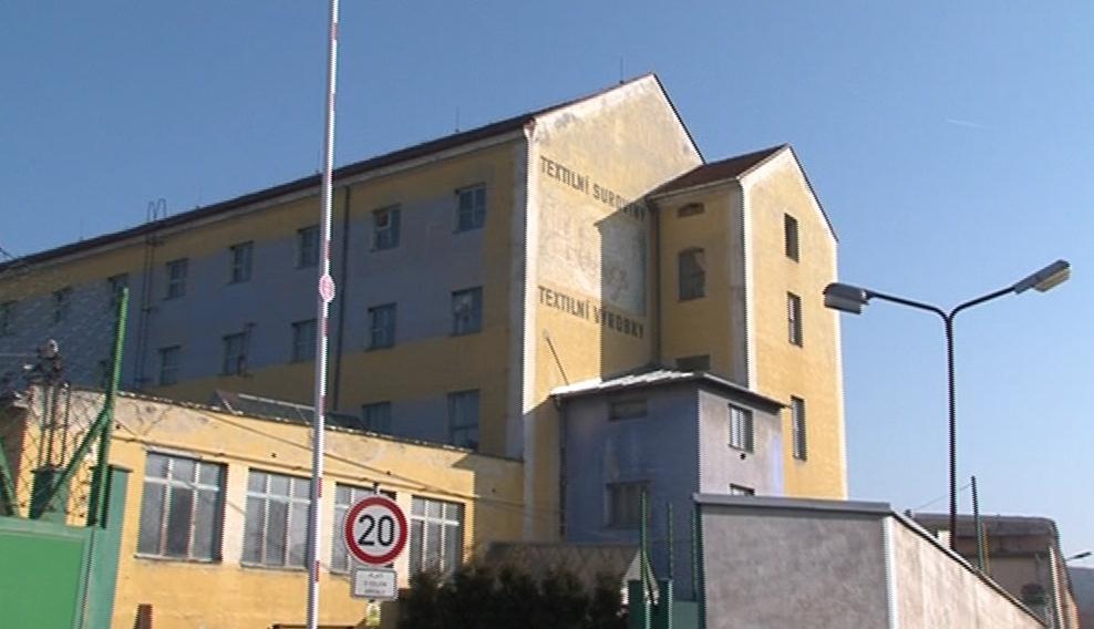Textilní hala v Ivančicích, kde shořel garnetovací stroj