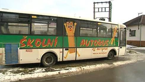 Prodělečný školní autobus bude muset obec zřejmě prodat