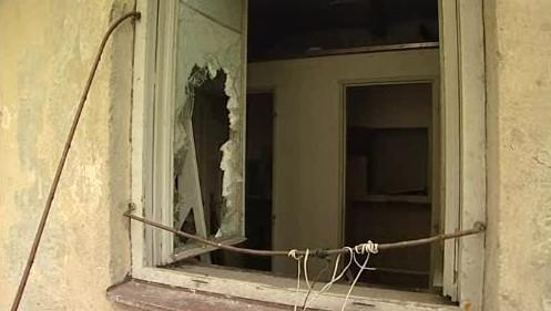 Zdevastovaný dům na brněnské ulici Dornych