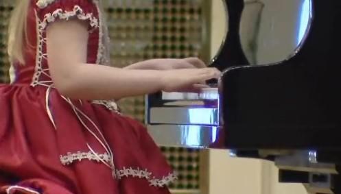 Klavíristka z klavírní soutěže Amadeus 2011