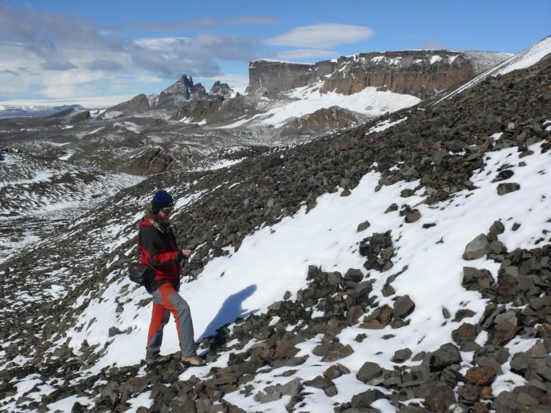 Geomorfologické mapování kamenných ledovců a suťových akumulací na východním svahu hřbetu Lachman Crags