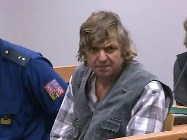 Dvaašedesátiletý muž je obviněný ze znásilňování sedmileté neteře