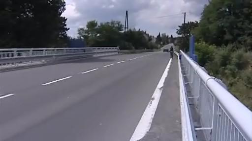 Most, na němž mělo být předáno výkupné