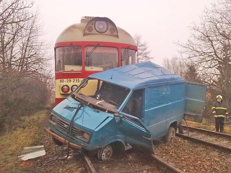Střet vlaku s dodávkou