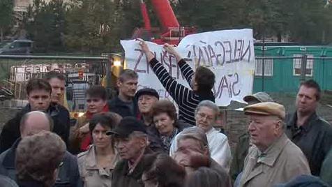 Obyvatelé protestují proti stavbě rezidence Erasmus