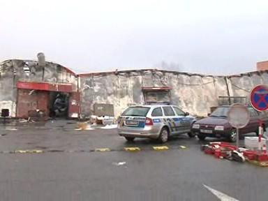 Požárem zničené hangáry tržnice v Olomoucké ulici v Brně