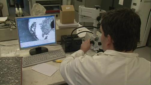 Výzkum nálezů v laboratoři
