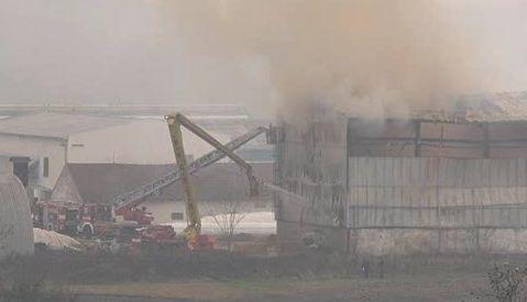 Hasiči likvidují požár seníku na Brněnsku
