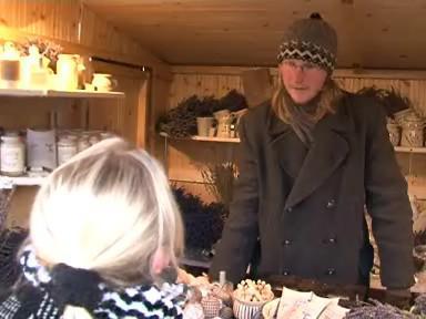 Inspektoři kontrolovali prodejce na vánočních trzích
