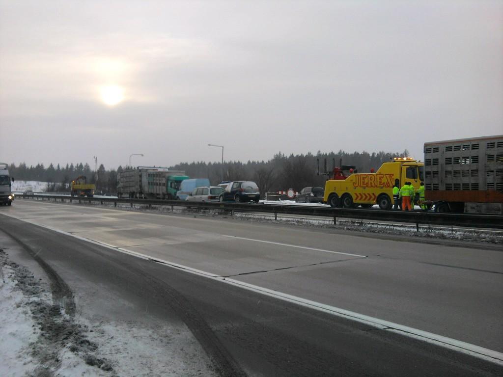 Dálnici D1 zablokoval kamion s prasaty