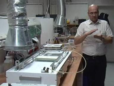 Masarykova univerzita zřídí a vybaví nové centrum využití plazmatu pro povrchové úpravy materiálů