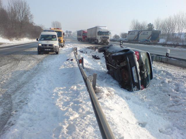 Nehoda osobního vozu na dálnici D1