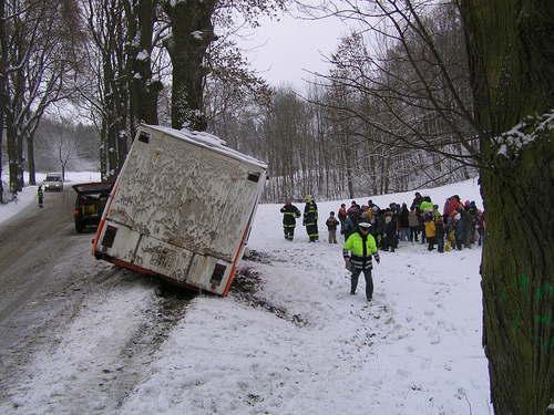 Nehoda autobusu převážejícího školáky