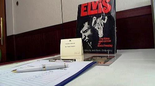 Dražba podpisu Elvise Presleyho