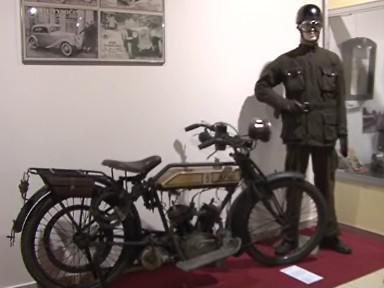 Veterán z výstavy 50 let Veterán Automoto Clubu v Technickém muzeu v Brně