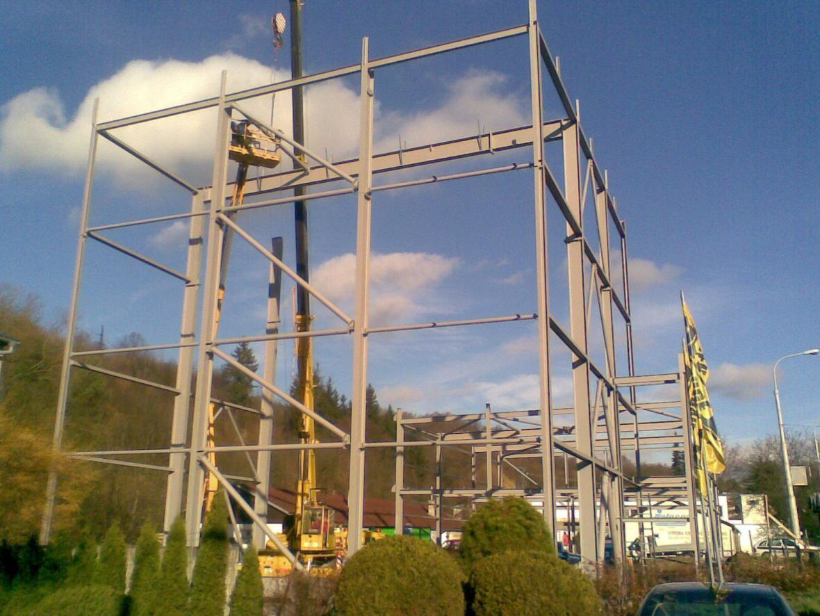 Stavba lezecké stěny ve Zlíně