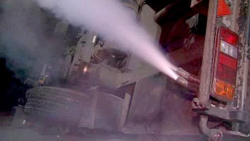 Unikající plyn z cisterny