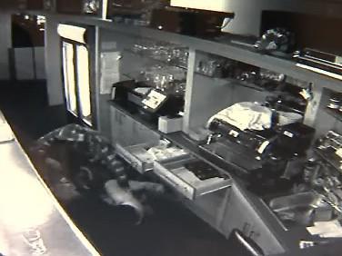 Záběry bezpečnostní kamery z přepadení