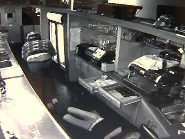 Záběry z bezpečnostní kamery z přepadení