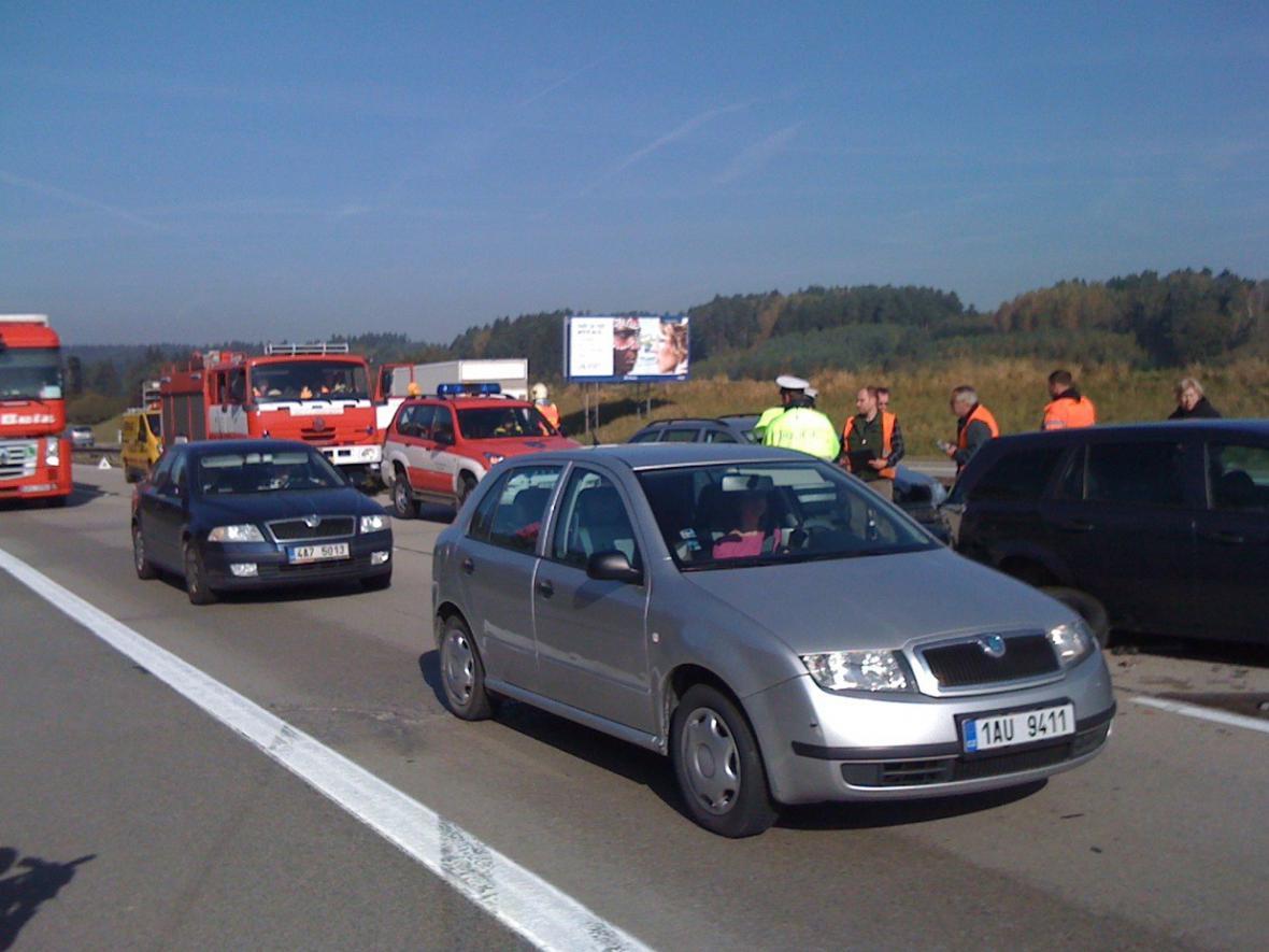 Nehoda na D1 na 150. kilometru blokuje provoz
