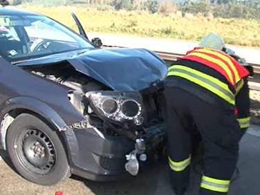 Zásah hasičů při hromadné nehodě na dálnici D1