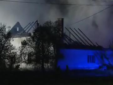 Tragický požár domu, hospodářství a stodoly v obci Mikulůvka