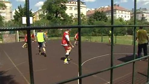 Trénink českých bezdomovců na jejich fotbalové mistrovství světa