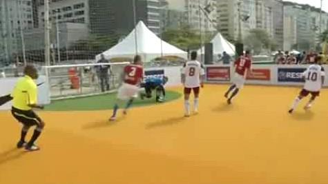 Záběry z mistrovství světa bezdomovců