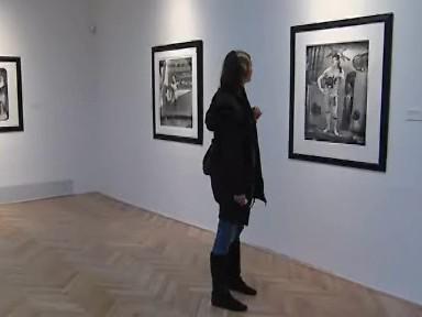 Návštěvnice výstavy Joela - Petera Witkina