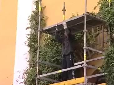 Oprava zřícené římsy uherskohradišťského kostela