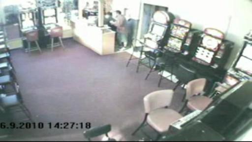 Přepadení zachytila bezpečnostní kamera