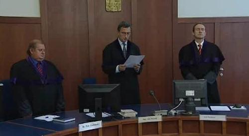 Soud dnes vynesl rozsudek nad muži obžalovaných z vraždy