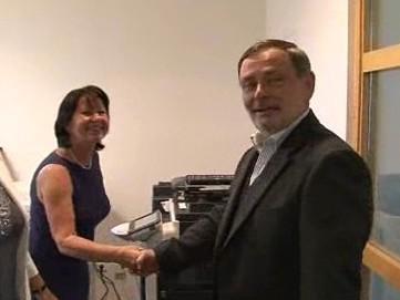 Nový ombudsman se vítá se zaměstnanci