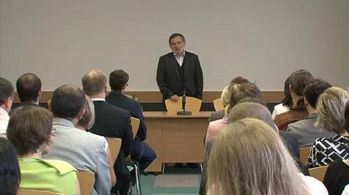 Nový ombudsman hovoří k zaměstnancům