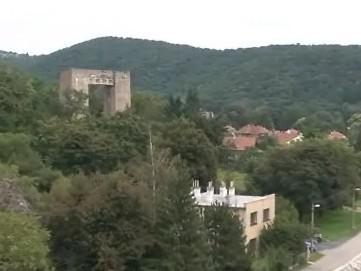 U brněnské přehrady už řadu let stojí podpěrný sloup pro silnici R43