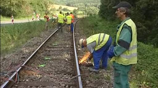 Oprava železnice mezi Újezdcem a Luhačovicemi