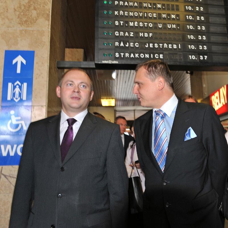 Jihomoravský hejtman Michal Hašek (ČSSD) a ministr dopravy Vít Bárta (VV)