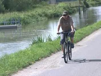 Cyklostezka okolo Baťova kanálu