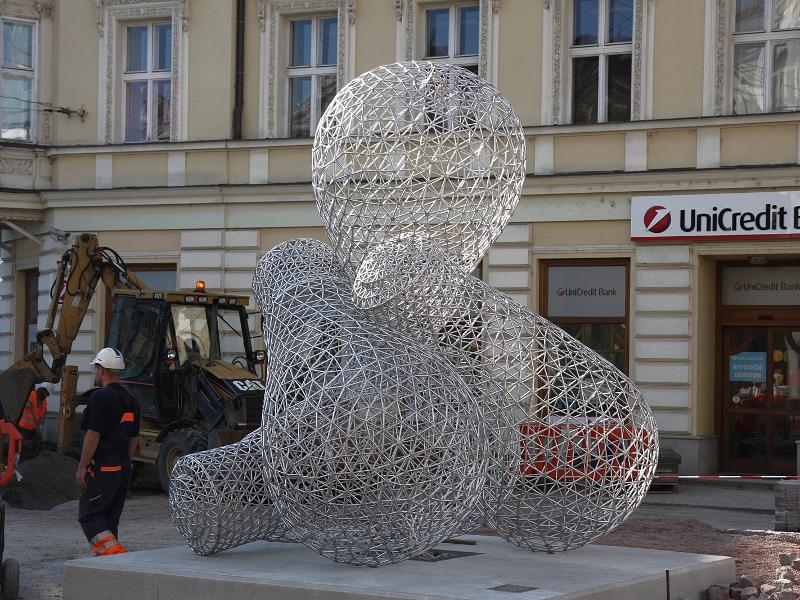 Žárovky na Malinovského náměstí v Brně