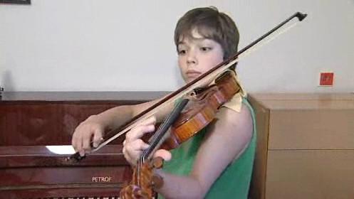 Účastník houslové akademie Václava Hudečka