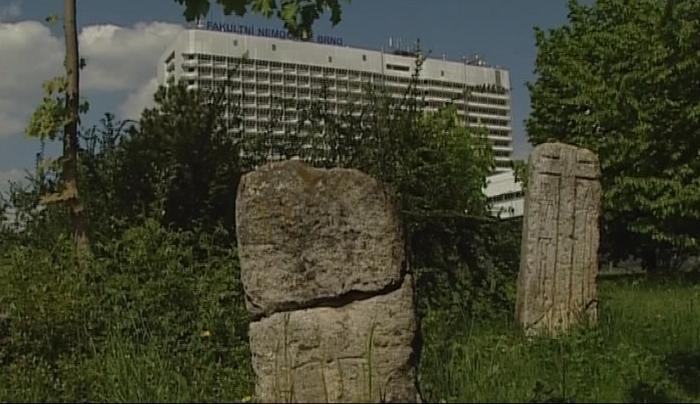 Smírčí kameny u nemocnice v Bohunicích
