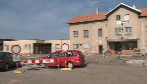 Rozkopané vlakové nádraží v Kyjově