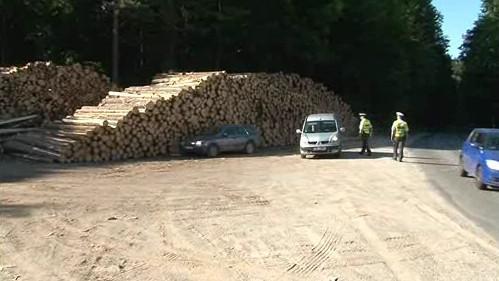 Policie na Blanensku kontroluje odvoz dřeva