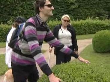 Nevidomí si v kroměřížské Květné zahradě mohou rostliny osahat