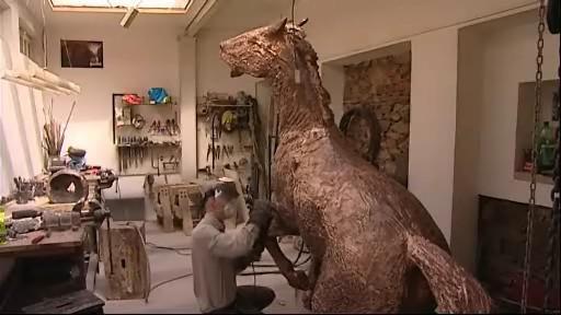 Pomník koním padlým v bitvě u Slavkova je téměř dokončen